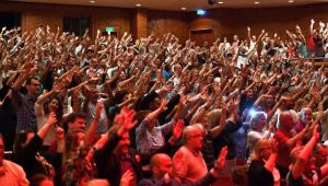 İzmir yeni yılı müzikle karşılıyor