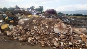 Kemalpaşa'da Hastane Manzaralı Çöplük!