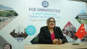 Ege Üniversitesi aday öğrencilerin yanında
