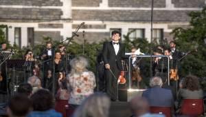 Açılış Konseri Tekfen Filarmoni'den