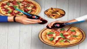 Pepsi'nin ödüllü cam şişesi İzmirli tüketicilerle buluştu!