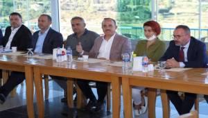 AK Parti İzmir İl Yönetimi Kiraz'da toplandı