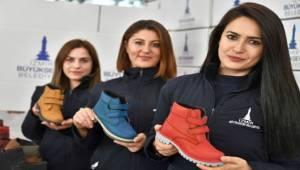 İzmir Büyükşehir Belediyesi'nden 20 bin öğrenciye destek